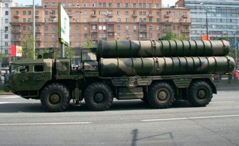 La Russie va livrer des systèmes antiaériens S-300 à l'armée syrienne sous deux semaines