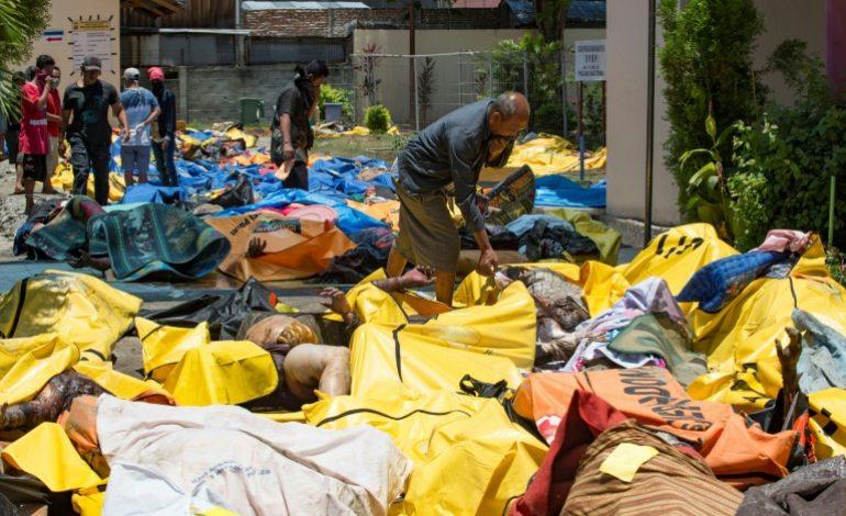 Le bilan du séisme en Indonésie passe à 832 morts