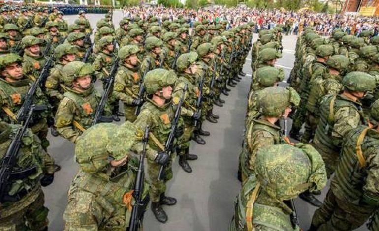 La Russie étale sa puissance militaire avec de gigantesques manoeuvres avec près de 300.000 hommes