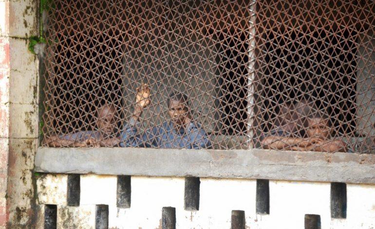 Purger sa peine en «enfer», la vie dans les prisons de Sierra Leone