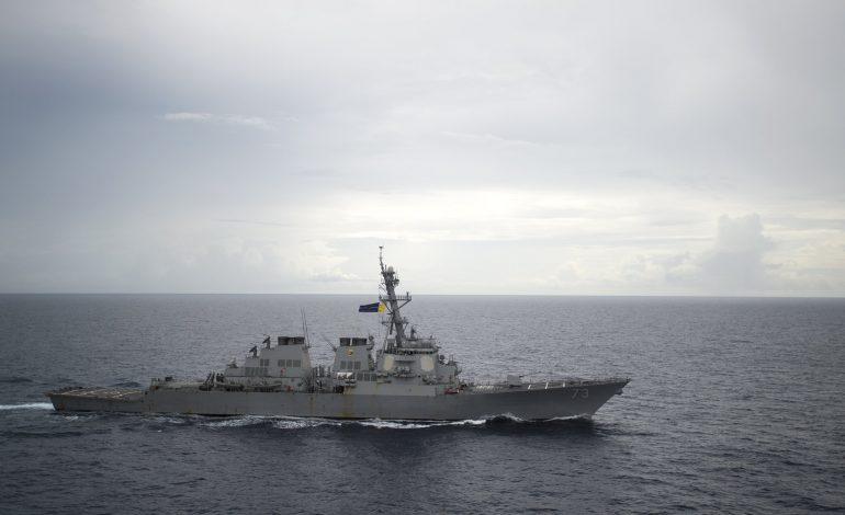Le navire de guerre chinois Luyang s'approche «dangereusement» du destroyer américain USS Decatur