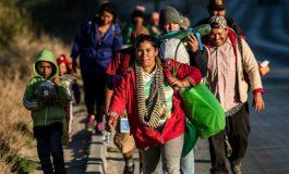 Une caravane de migrants Centraméricains arrive à la frontière américaine