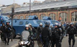 L'utilisation politique à l'étranger de la crise des Gilets Jaunes agace et inquiète Paris