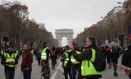 """""""Gilets jaunes"""": les étapes d'une fronde inédite en France"""