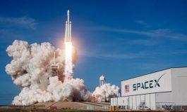 SpaceX a placé 64 satellites en orbite d'un coup