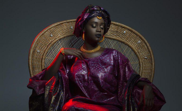 """Esther Kamatari : """"La mode africaine est encore trop peu visible"""""""