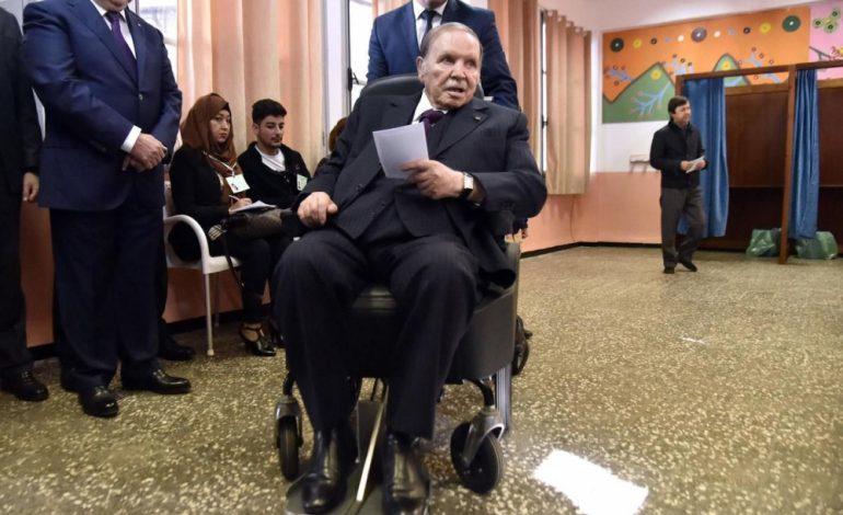 A 81 ans, le président algérien, Abdelaziz Bouteflika officiellement candidat à un 5e mandat