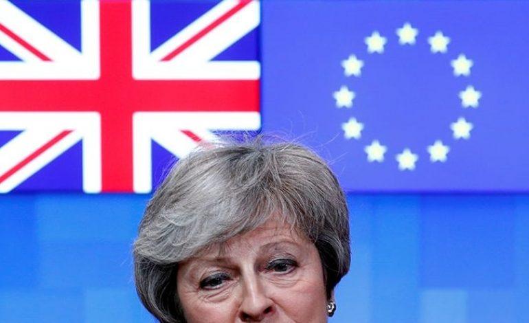 Theresa May de retour à Bruxelles face à une UE inflexible