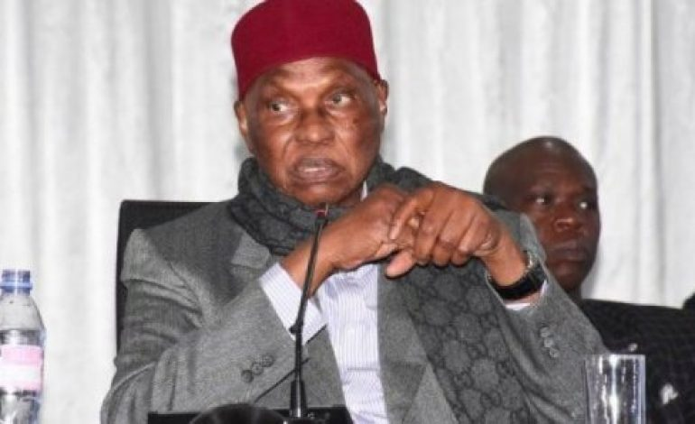Abdoulaye Wade demande le rapatriement immédiat des 13 étudiants restés à Wuhan