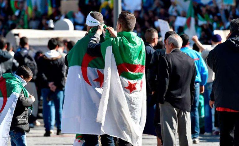 Nouvelle mobilisation gigantesque en Algérie contre le président Abdelaziz Bouteflika