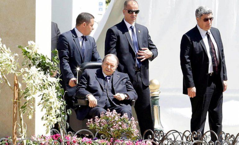 Abdelaziz Bouteflika renonce à un 5e mandat