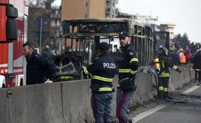 Le détournement du bus scolaire italien par Ousseynou Sy ouvre un débat sur la citoyenneté italienne