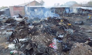 Les images de l'incendie du marché central de Tamba