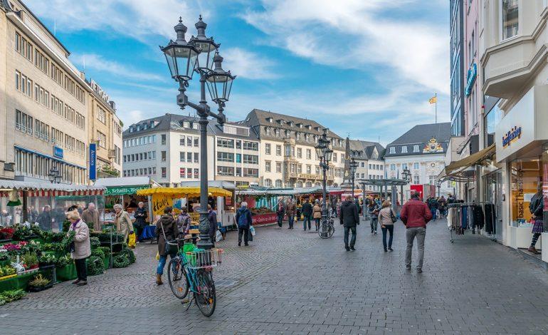 Les allemands dans la rue pour dénoncer la folie des loyers
