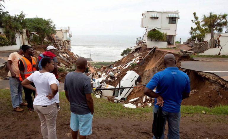 Des pluies diluviennes font au moins 60 morts en Afrique du Sud