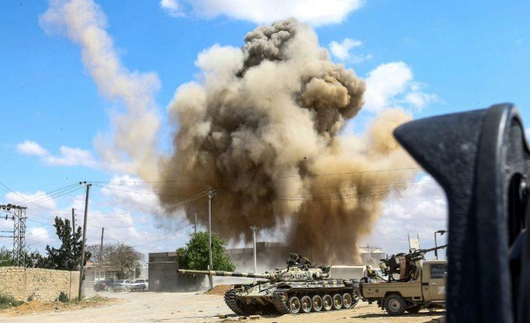 121 morts et près de 600 blessés dans les combats près de Tripoli (Libye)