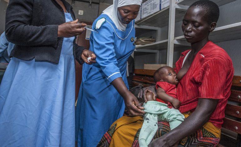 Premier test à grande échelle du Mosquirix au Malawi, un vaccin contre le paludisme
