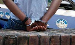 Le dealer sénégalais arrêté à Turin, cachait de la drogue dans son parapluie