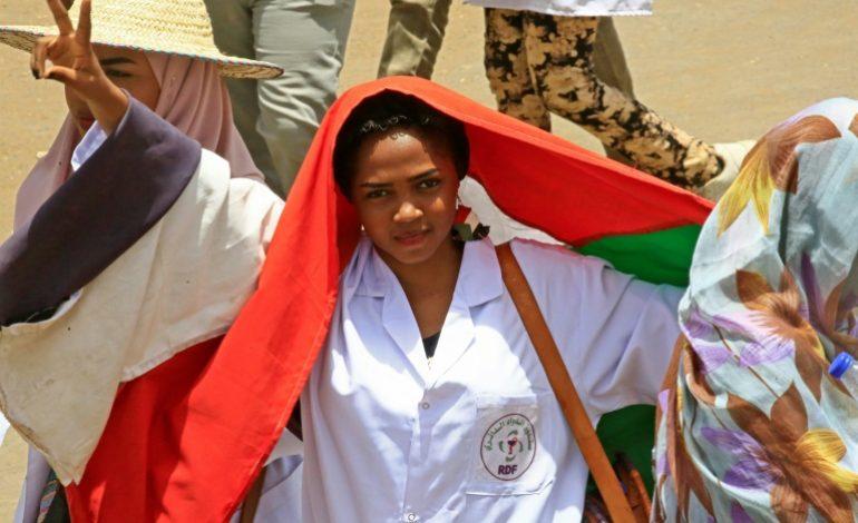 Le pouvoir militaire fait de nouveaux gestes, la contestation se poursuit malgré tout au Soudan