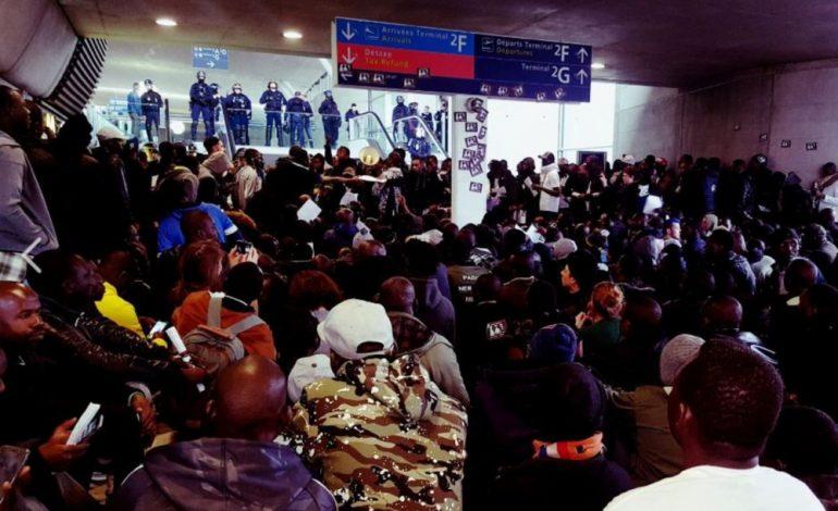 Des centaines de sans-papiers ont occupé le Terminal 2 de Roissy Charles de Gaulle