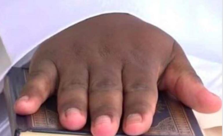 Aliou Sall théâtralise sa sortie en jurant la main sur le Saint Coran