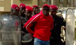 Des manifestants arrêtés à Dakar en marge d'une manifestation sur la transparence des contrats pétroliers et gaziers