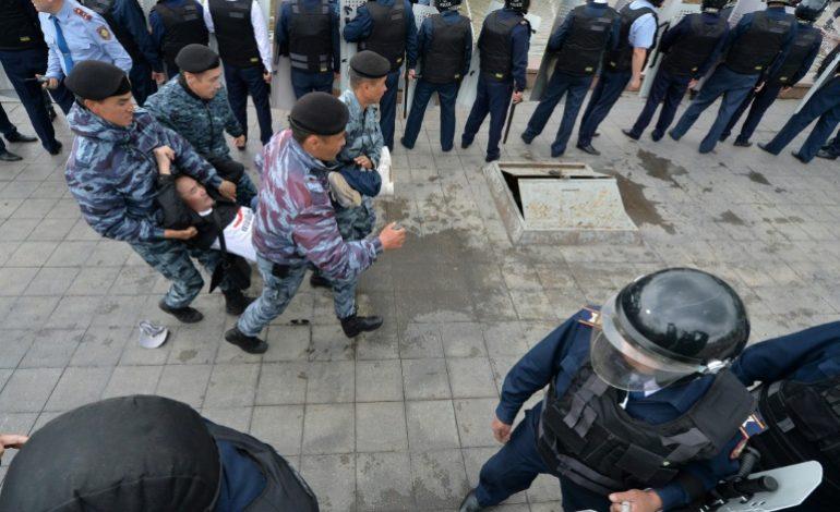 Des centaines d'opposants arrêtés lors de la Présidentielle au Kazakhstan