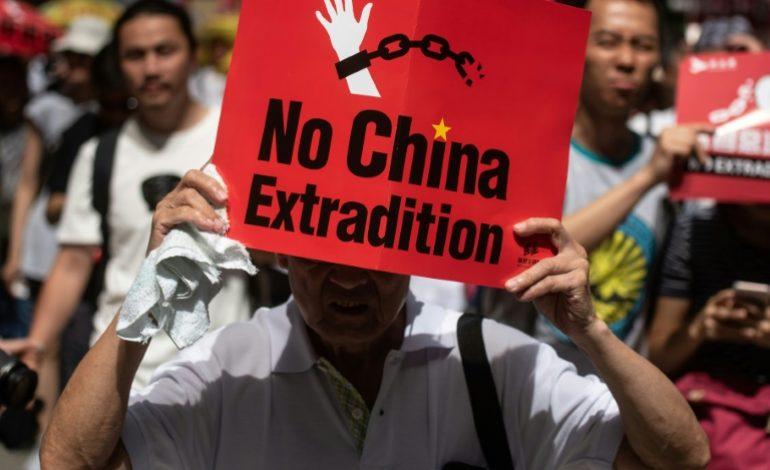 Grande manifestation à Hong Kong contre un projet d'extradition vers la Chine