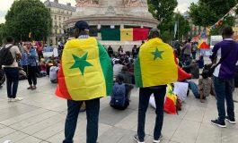 Les Sénégalais manifestent à la Place de la République à Paris contre le régime de Macky Sall
