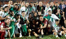 Une foule en délire accueille à Alger les vainqueurs de la CAN2019