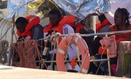 Un navire humanitaire débarque de force à Lampedusa, Salvini interdit tout nouveau débarquement