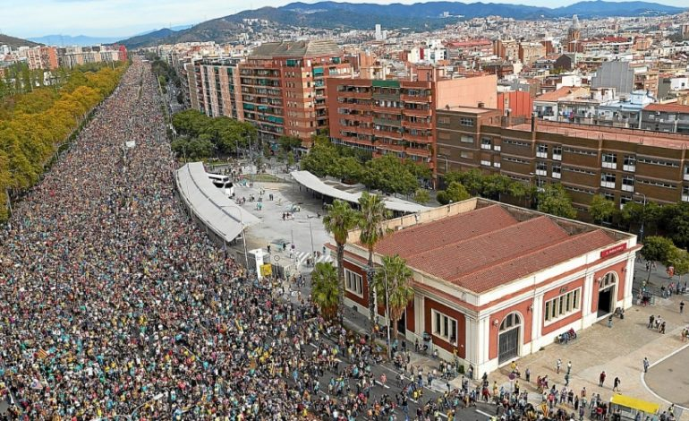 Comment les manifestants catalans s'inspirent de ceux de Hong Kong