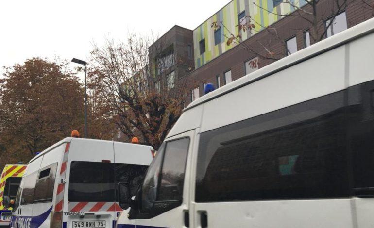 Près de 200 travailleurs sans-papiers expulsés de leur bâtiment à Montreuil la veille de la trêve hivernale