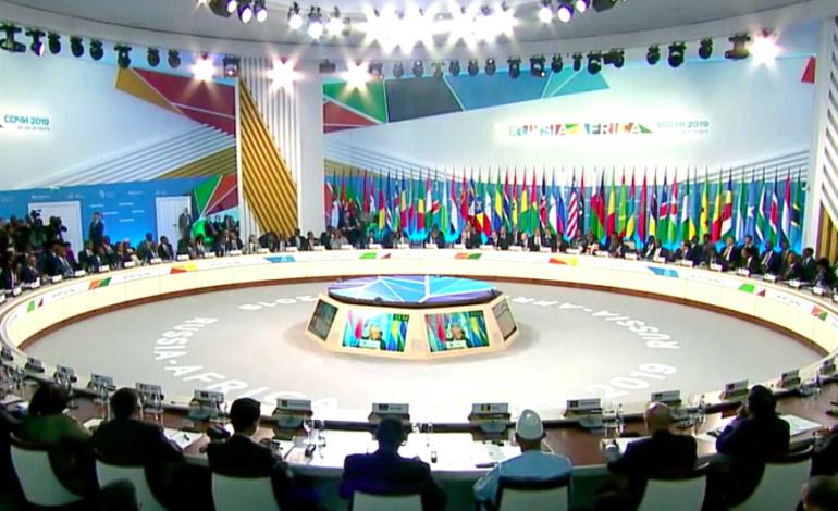 A Sotchi, Vladimir Poutine annonce ses ambitions pour l'Afrique