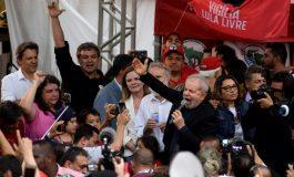 Un juge brésilien rend Luiz Inacio Lula da Silva éligible à la présidentielle de 2022