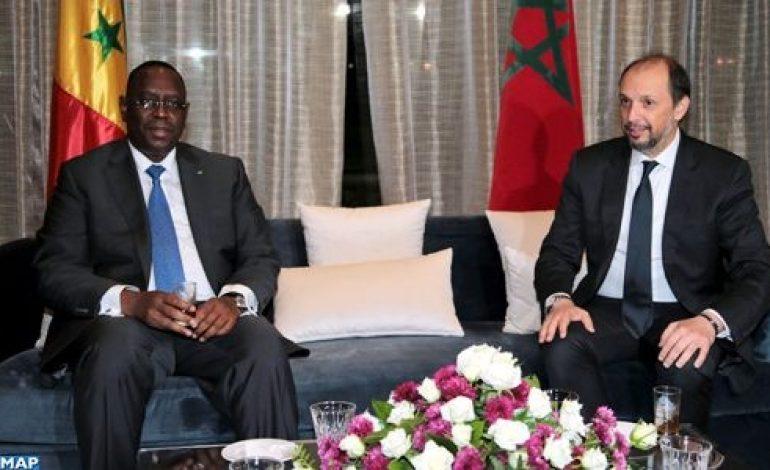Prix bidon décerné au président sénégalais: Macky Sall, le jeune Nègre et la médaille des «Medays» !