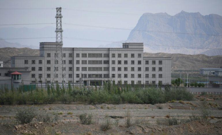 Plongée dans l'univers de la détention au Xinjiang (Chine)
