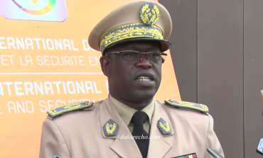 Le Général Amadou Anta Guèye traité de dictateur par les étudiants