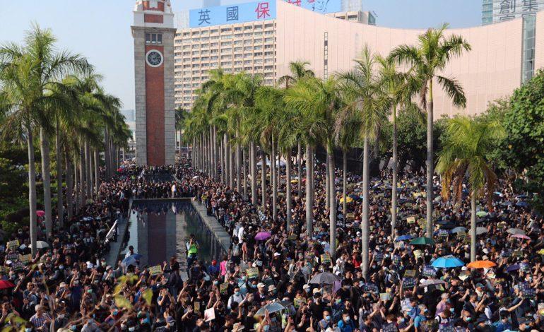 Toujours en colère, les manifestants Hong Kongais de retour dans les rues