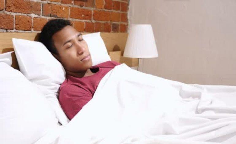 Des horaires de coucher stricts aident les ados à faire de meilleures nuits