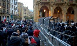 De nouveaux heurts à Beyrouth entre manifestants et policiers, 90 blessés