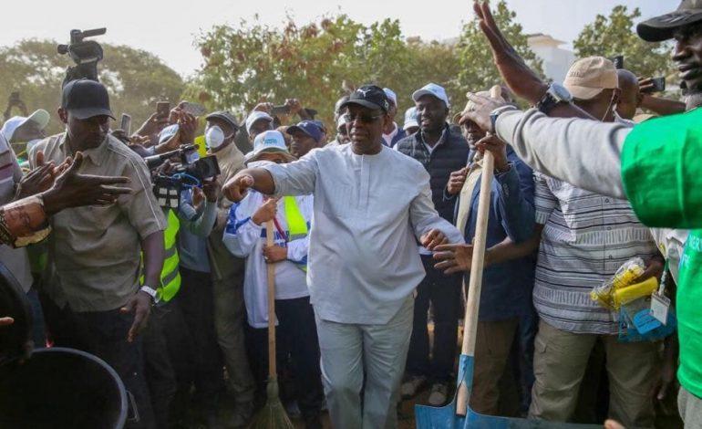 La société civile sénégalaise maintient la pression sur la question du cumul de chef de parti et président de la République