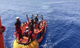 Des migrants africains interceptés en Méditerranée en kayaks et jet-skis