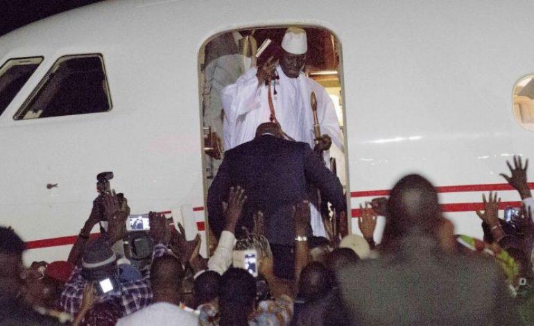 Des milliers de gambiens réclament le retour de Yahya Jammeh