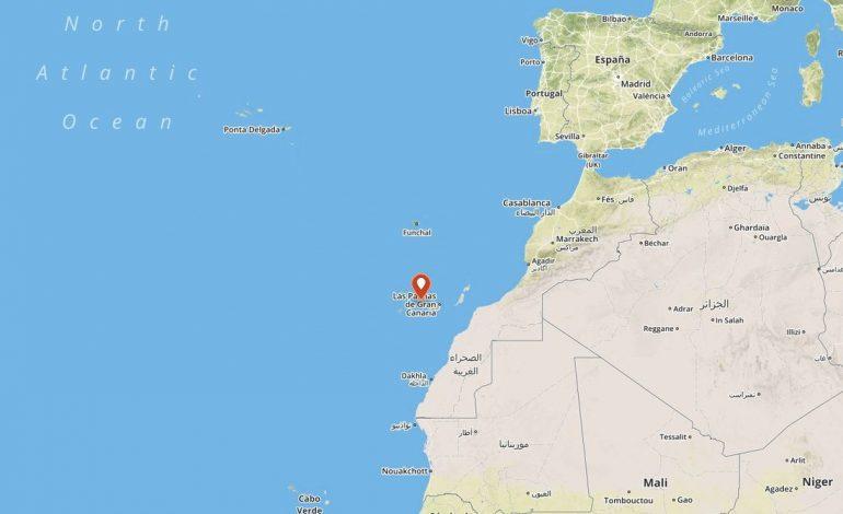 Un bébé tout juste né secouru parmi des migrants Ouest Africains au large des Canaries