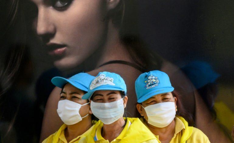 Niveau de menace maximum pour l'OMS du coronavirus, l'économie mondiale déstabilisée