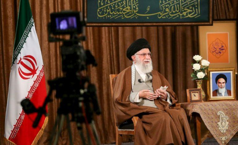 L'Iran n'envisage pas une aide des «charlatans» de Washington pour lutter contre le coronavirus