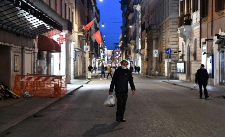 L'Italie, mise à genoux, espère un ralentissement de la pandémie cette semaine