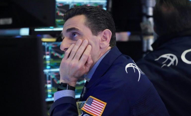 Compagnies aériennes et bourses mondiales contaminées en raison des craintes sur la nouvelle souche