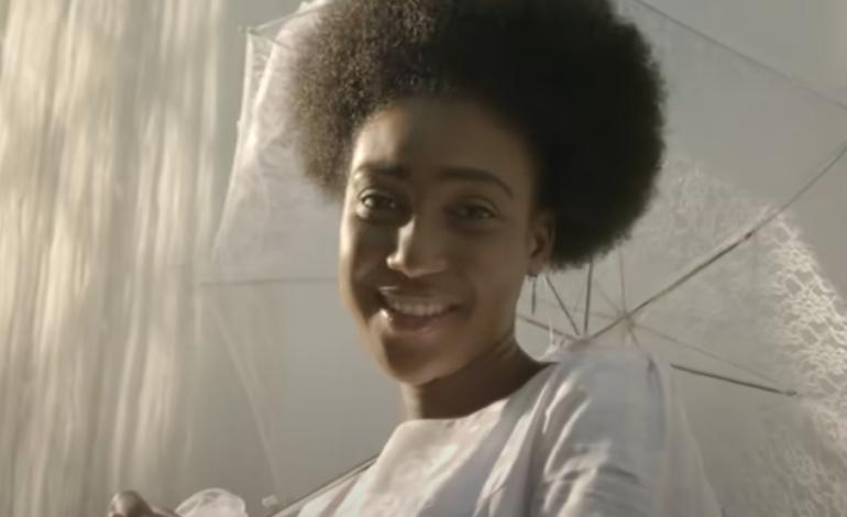 Chéri Coco, le beau succès d'Amira Abed, remake d'un morceau-culte presque centenaire